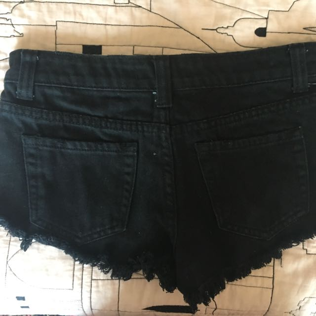 Mid-rise Shorts