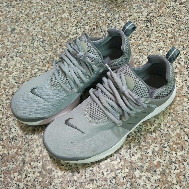 Nike  魚骨 灰 24  九成新