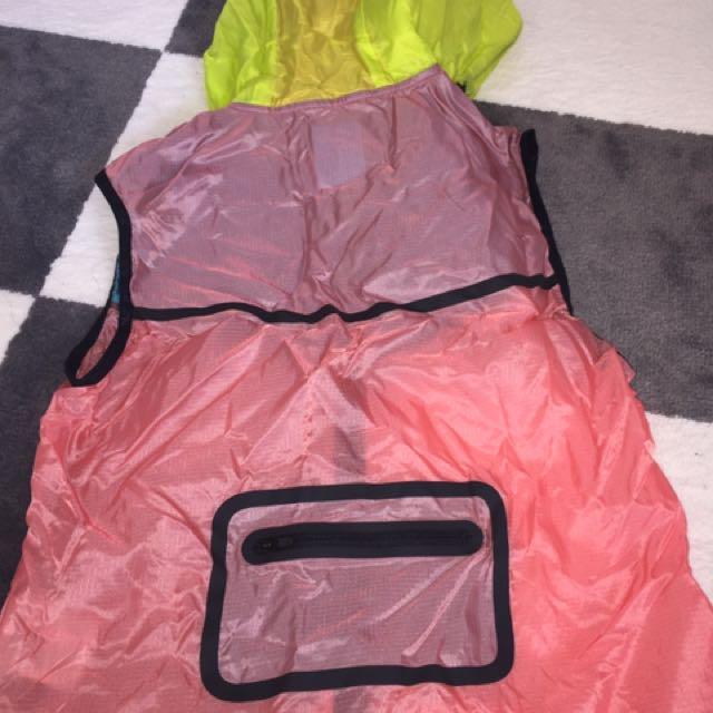 NIKE Women's Rain Running Accessory Vest SIZE SMALL