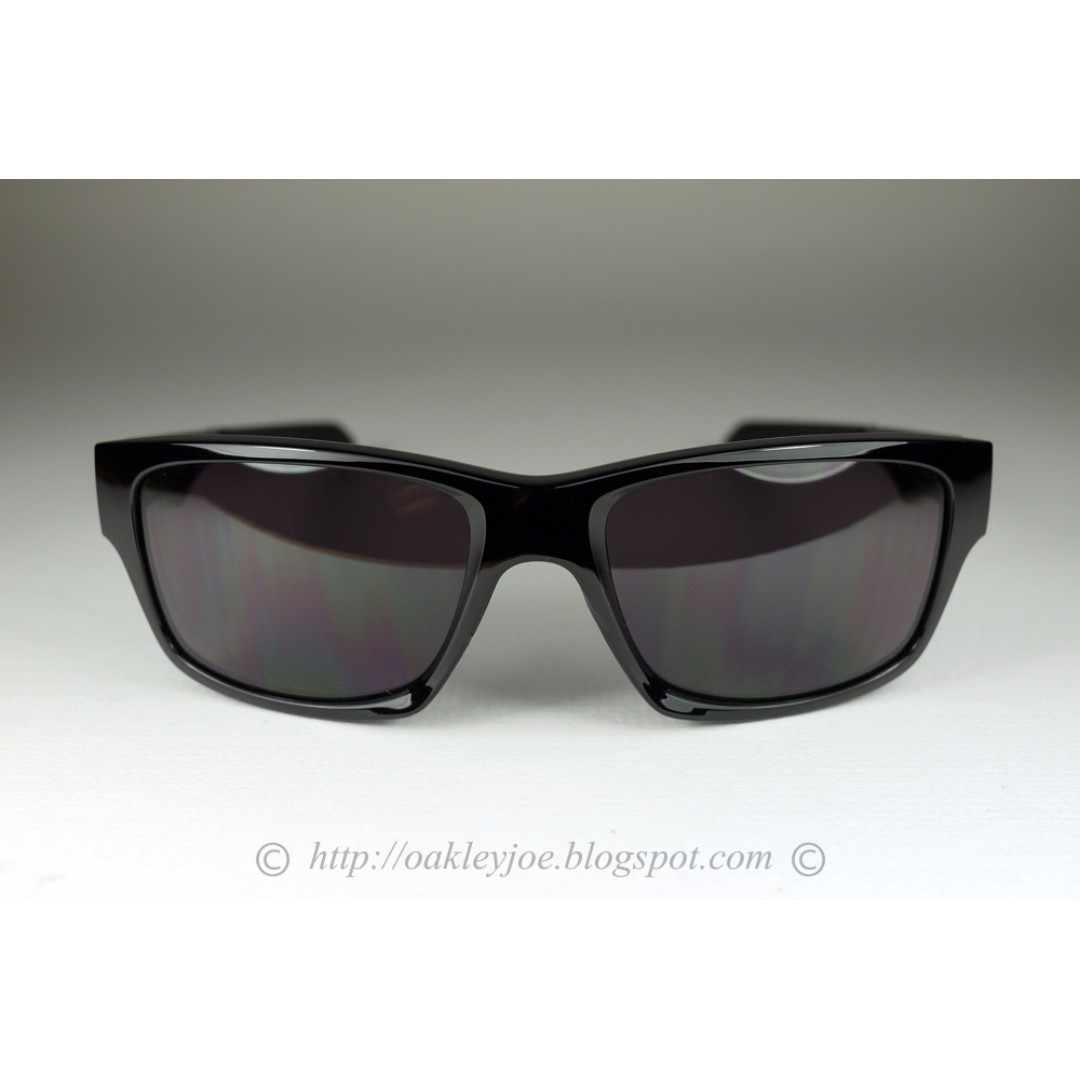 8c03c2f55b Oakley Jupiter Squared Polished Black + Warm Grey OO9135-01