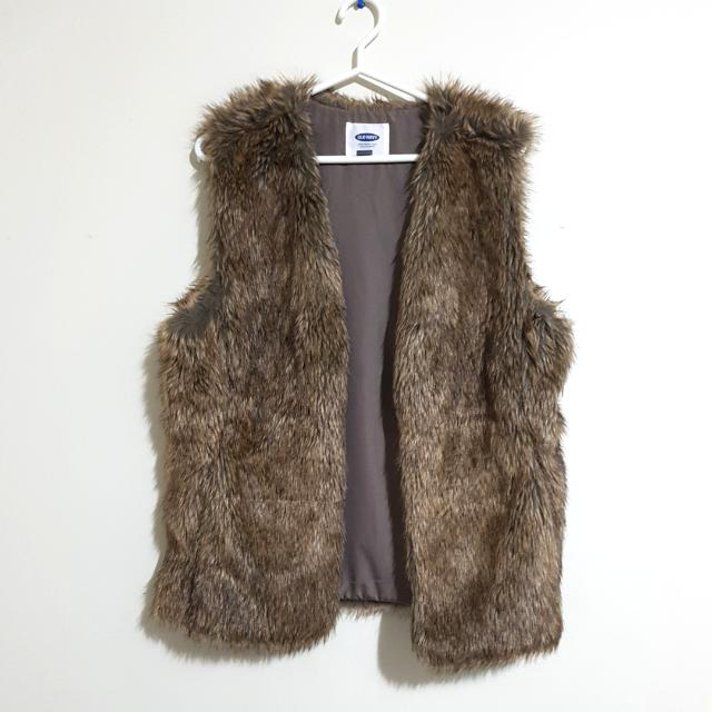 Old Navy Fur Vest Size L