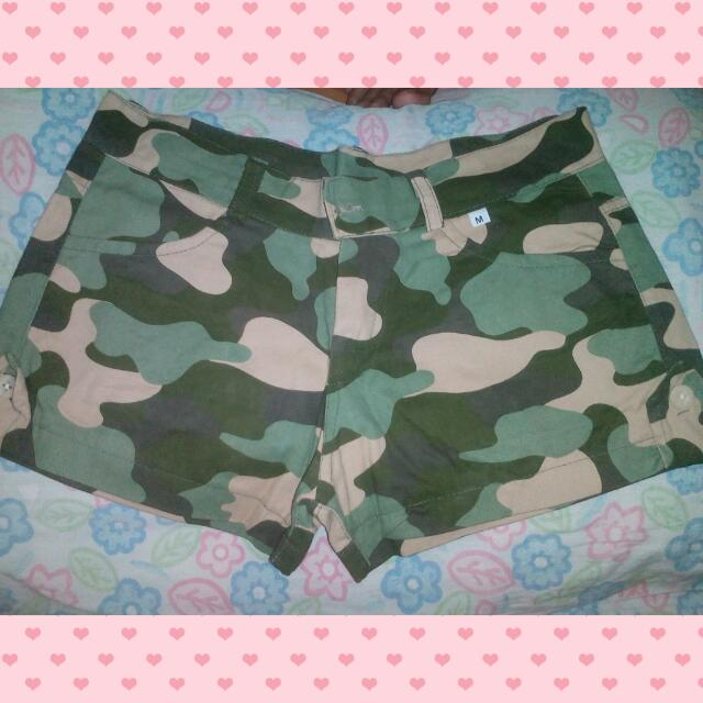 Preloved_ Camouflage Shorts