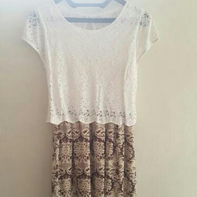 Preloved Lace Dress