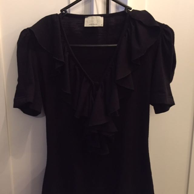 Review Top With Frill