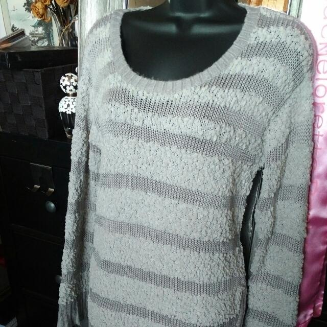 Romeo & Juliet Grey Sweater