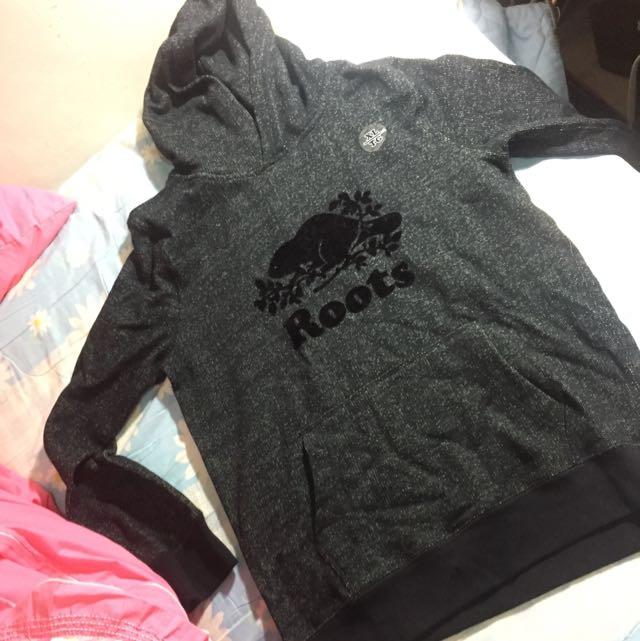 Roots 胡椒黑 帽T男童 XL 大人女生150幾公分可以穿