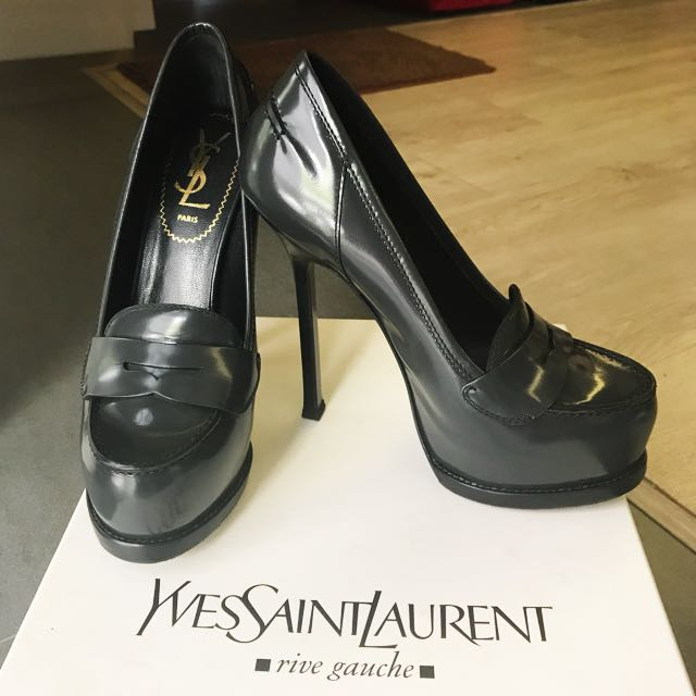 b6b326f28ca Saint Laurent   YSL Tribute   Tribtoo Moccasin Heels