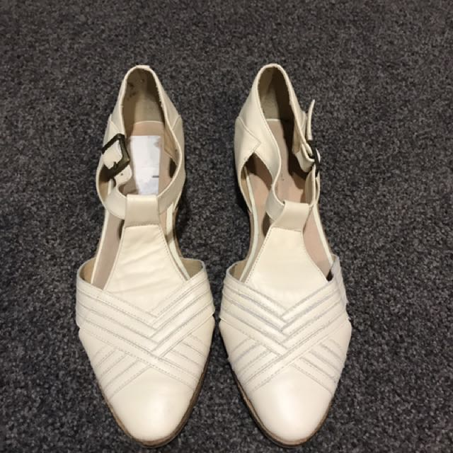 Shubar Cream Leather Shoes