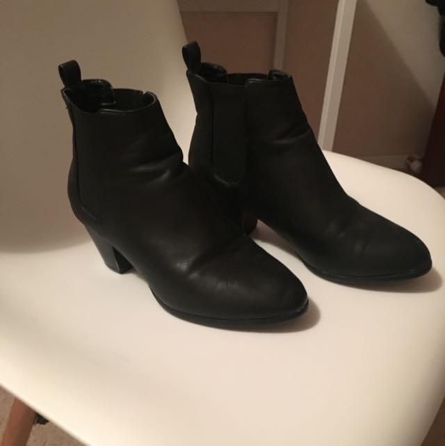 Size 6 1/2 Boots