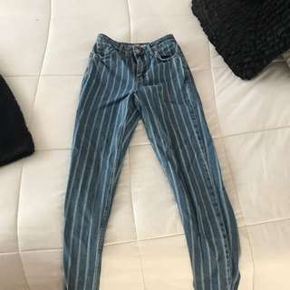 TOPSHOP Stripped Mom jeans