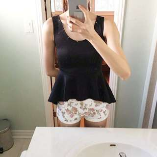 Wavy Black Tank Top With Floral Printed Shorts