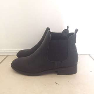 Betts Boots Size 6