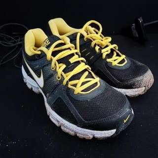 (Reprice) Sepatu Nike Retaliate 2