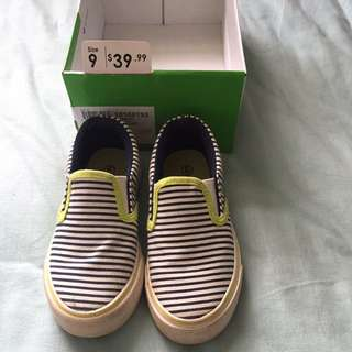 Size 9 Boys Slip On Sneakers