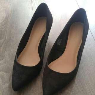 Low Heels Size 8