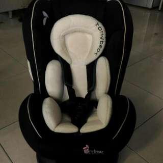 Tony bear 安全坐椅(出生就可坐,白色安全靠墊可保護頭部不亂動)