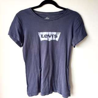 Size S Levi's Logo T-Shirt