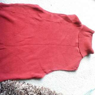 Maroon Turtle Neck Sleeveless Size 8