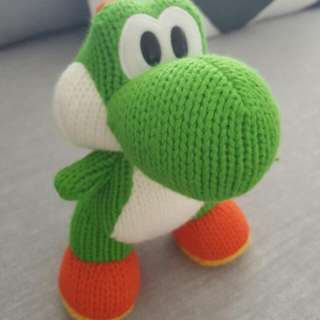 Large Yoshi Woolly World Amiibo