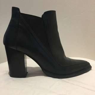 Merchant (Isabella Anselmi) Black Point Boots