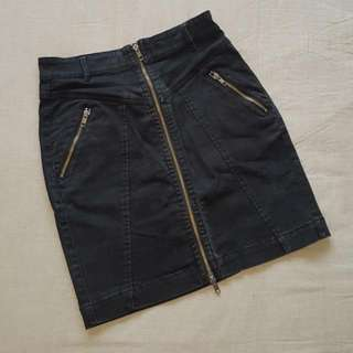 Size 10 French Connection Black Jean Skirt