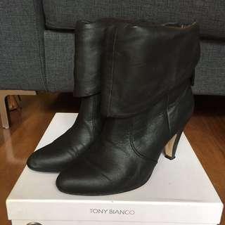 TONY BIANCO Size 7 - Vee Black Boots