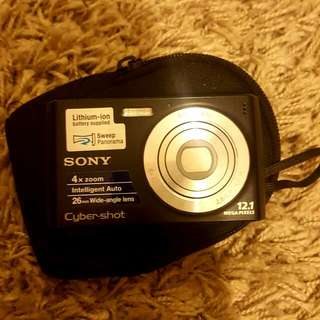 SONY Perfect Condition Cyber Shot Black Camera With Charger And USB Cord With Camera Bag