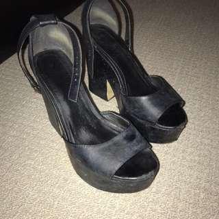 Ladies Lipstick Heels
