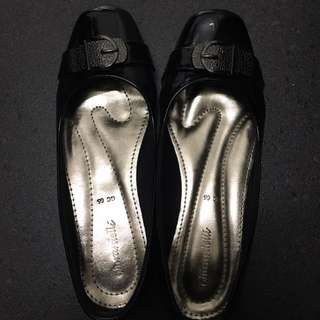 Ghirardelli Bettina Flat Shoes