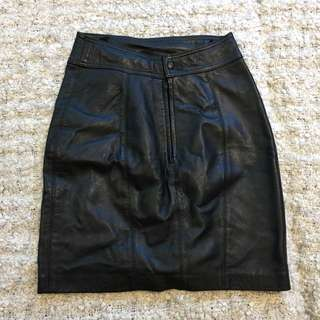 VINTAGE Black Leather Mini Skirt Size 10/12