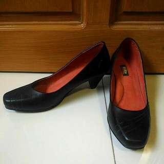 Marikina Made BiBo Black Shoes
