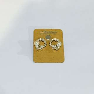 Earrings (Swarovski Material)