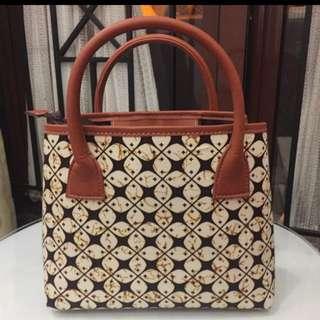 Tas Batik (ada tali panjang)