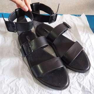 Forever21 Sandals (black)