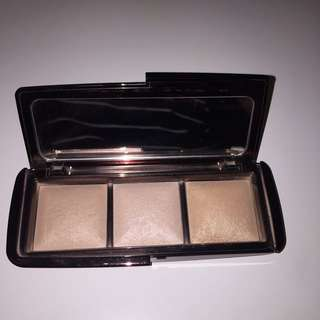 Authentic Hourglass Ambient Lighting Palette