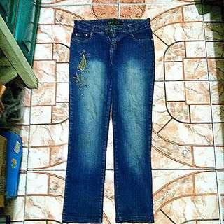 Authentic AElla Faded Cross-Stitch Jeans Size 28