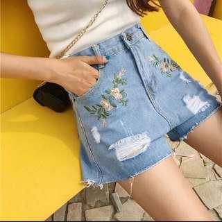 刺繡花朵寬鬆A字闊腿牛仔短褲