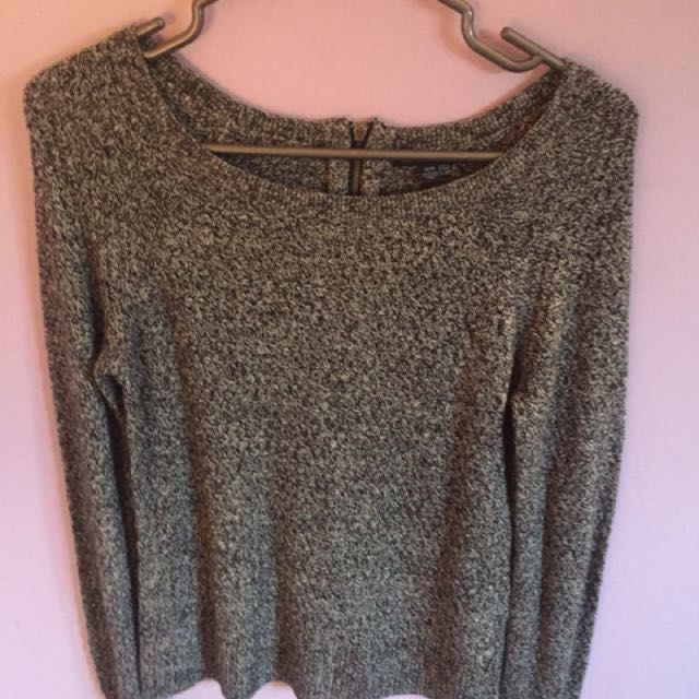 4 KNIT SWEATERS FOR $35