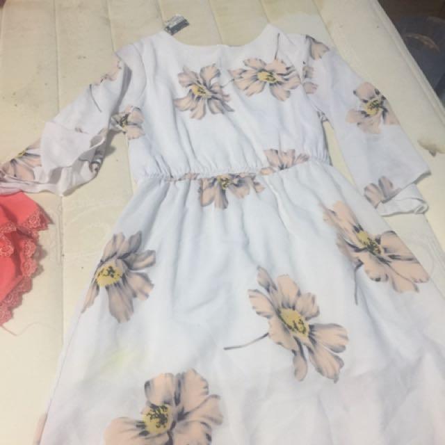 薄紗花花洋裝