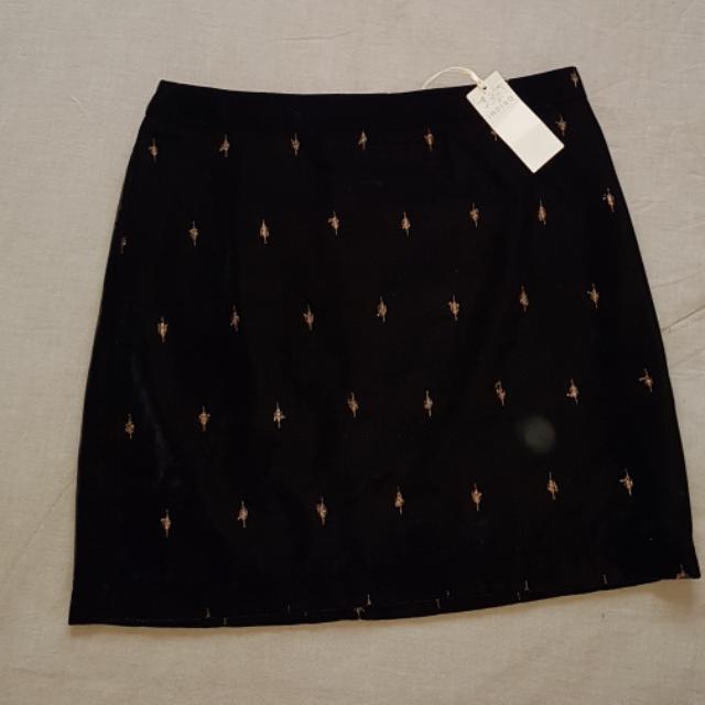 Black & Gold Velvet Mini Skirt Size 10 - 12