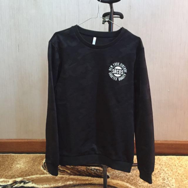 Black Sweater Sacos