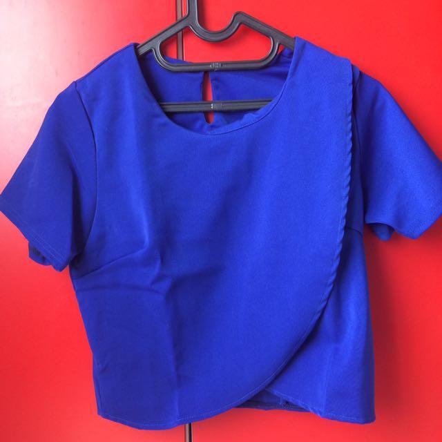 blue top🔹