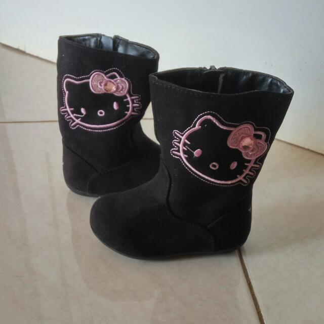 boots 1 th, size 5