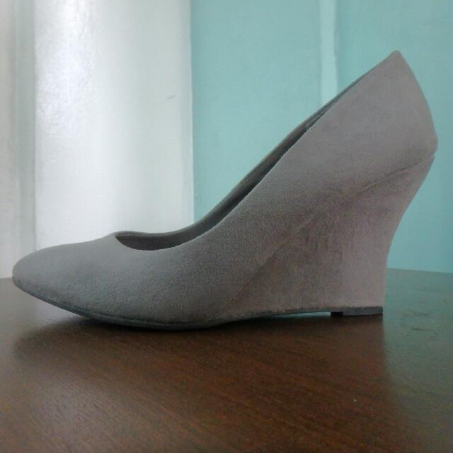 Fioni Wedge Pumps/ Heels