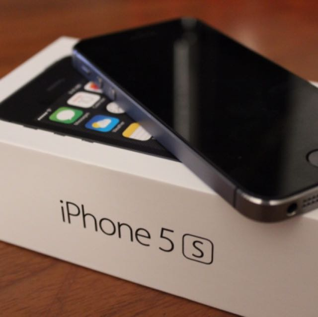 iPhone 5S- Black (great condition)