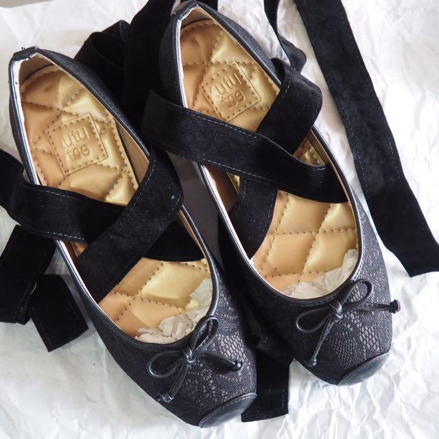 Marlene Shoes by TUTU TOE (black/lace)