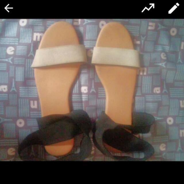 Preloved Tonic Sandals