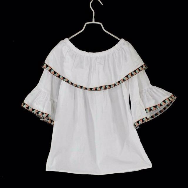 【Qianduoduo】白色波西米亞風刺繡滾邊棉質上衣