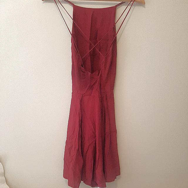 Glamorous: Red Crossed Back Dress