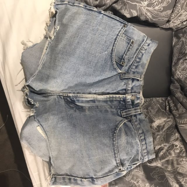 Tommy Hilfiger Cut Off Shorts
